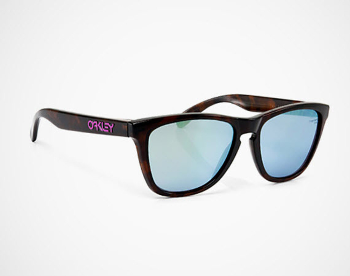 0174220a77 It seems that sunglasses powerhouse Oakley truly does have a pair to fit  every person in every occasion. In the off-chance you are relaxing on the  beach or ...