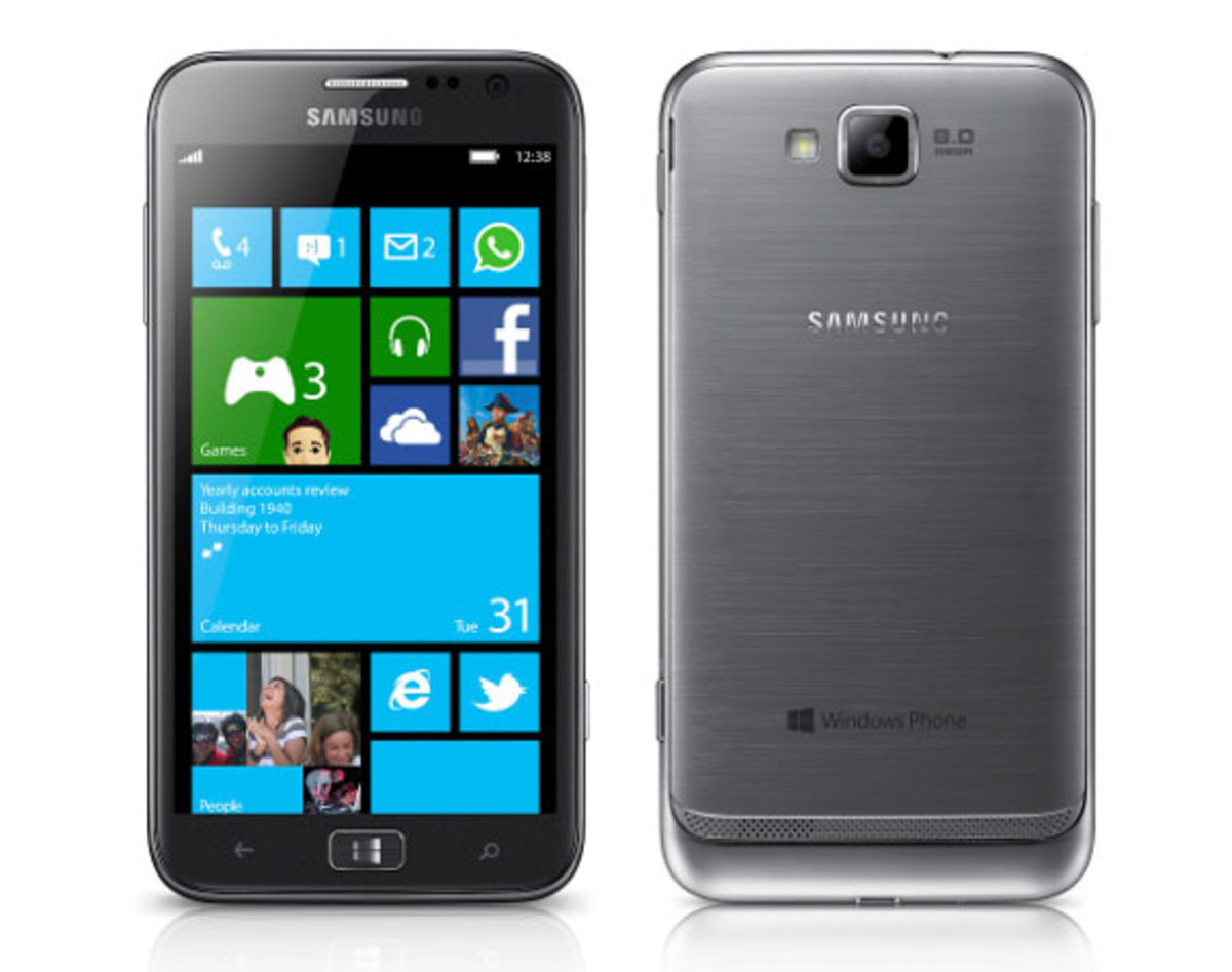The World S First Ever Smartphone To Run Windows Phone 8 Samsung Ativ Has Been Unveiled At Ifa Trade Show In Berlin
