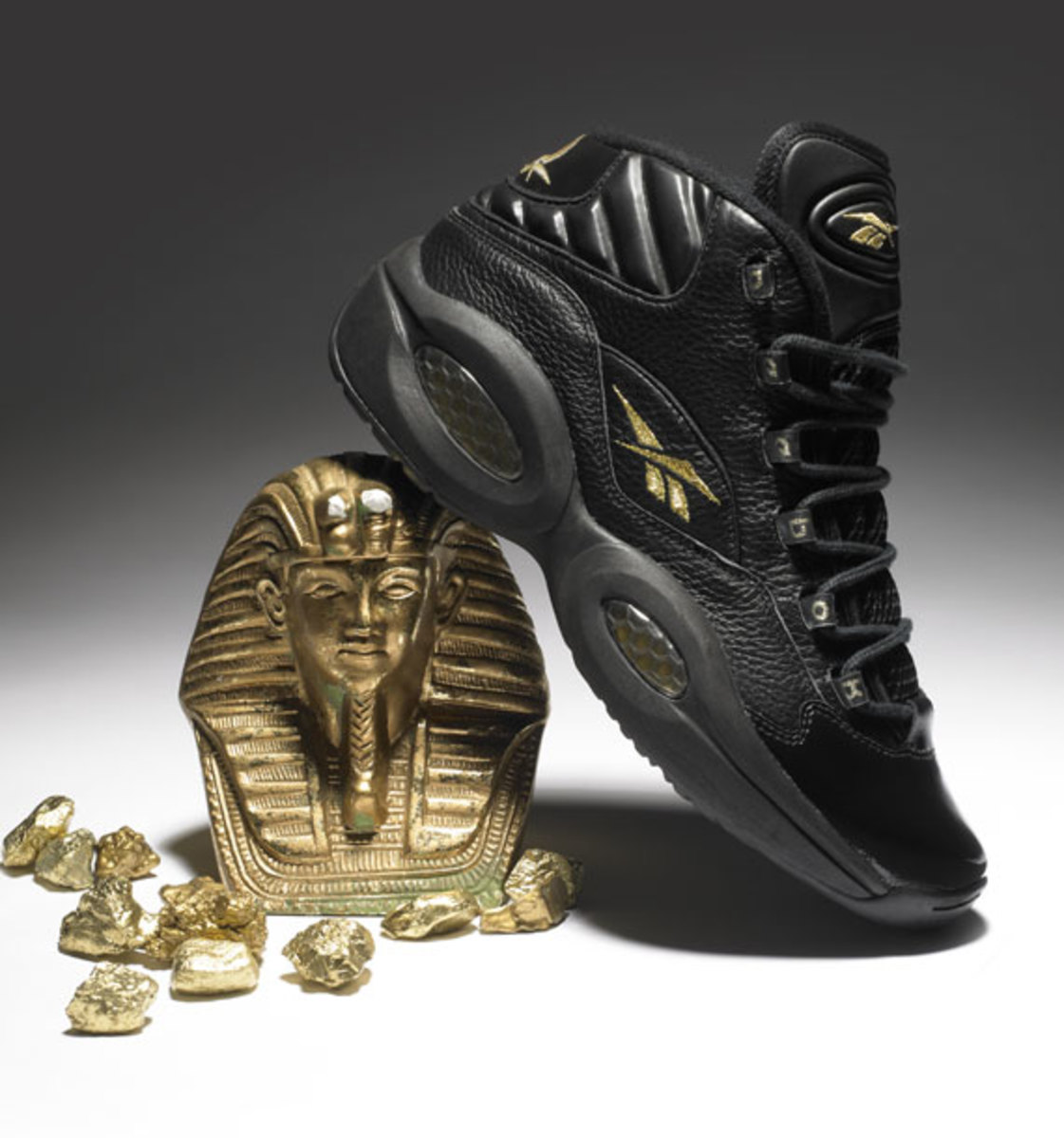 Reebok Question Black/Gold - New Years