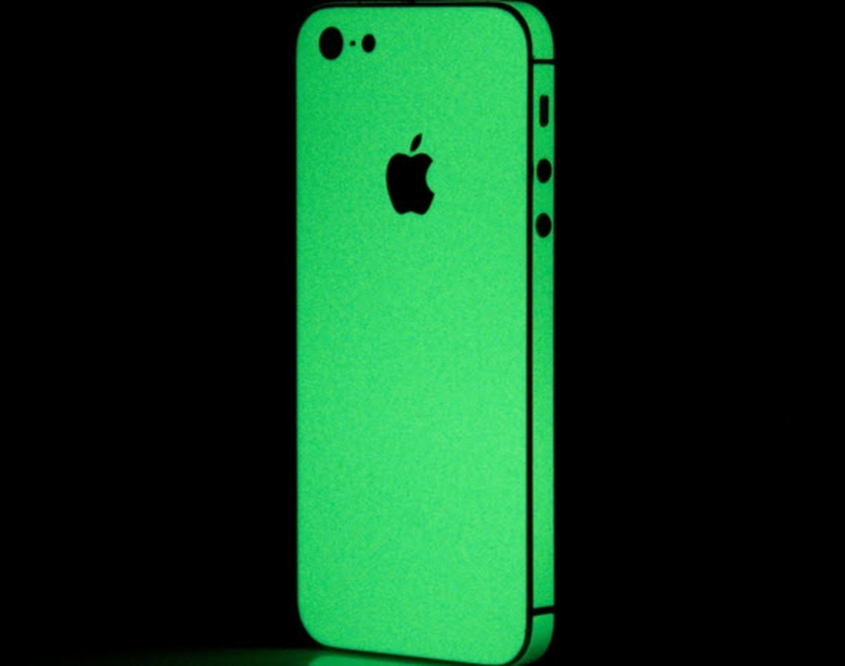SlickWraps - Glow-in-the-Dark Wrap for Apple iPhone 5