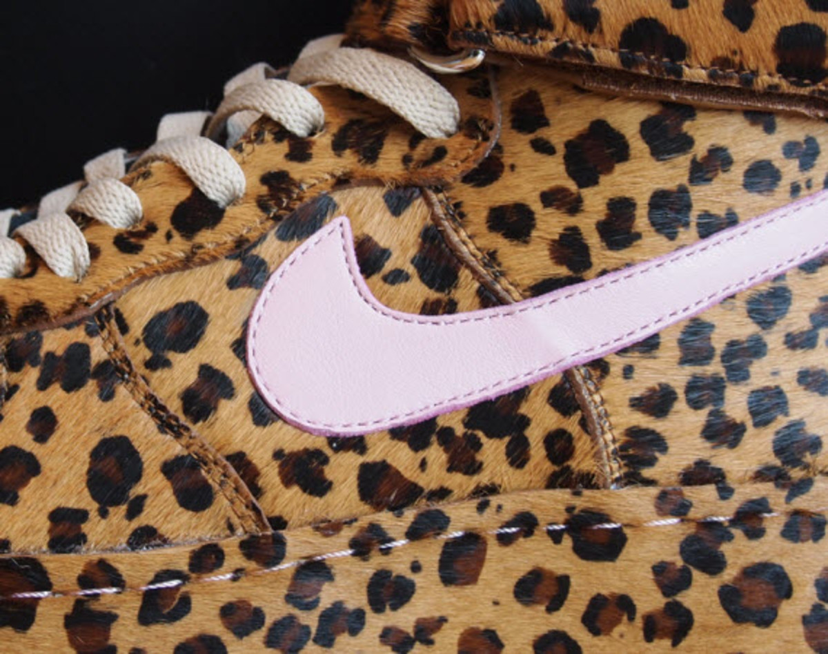 If the almost countless number of NikeiD options to customize your Swoosh  footwear still doesn t quite fit your stylistic requirements 7c7012be2
