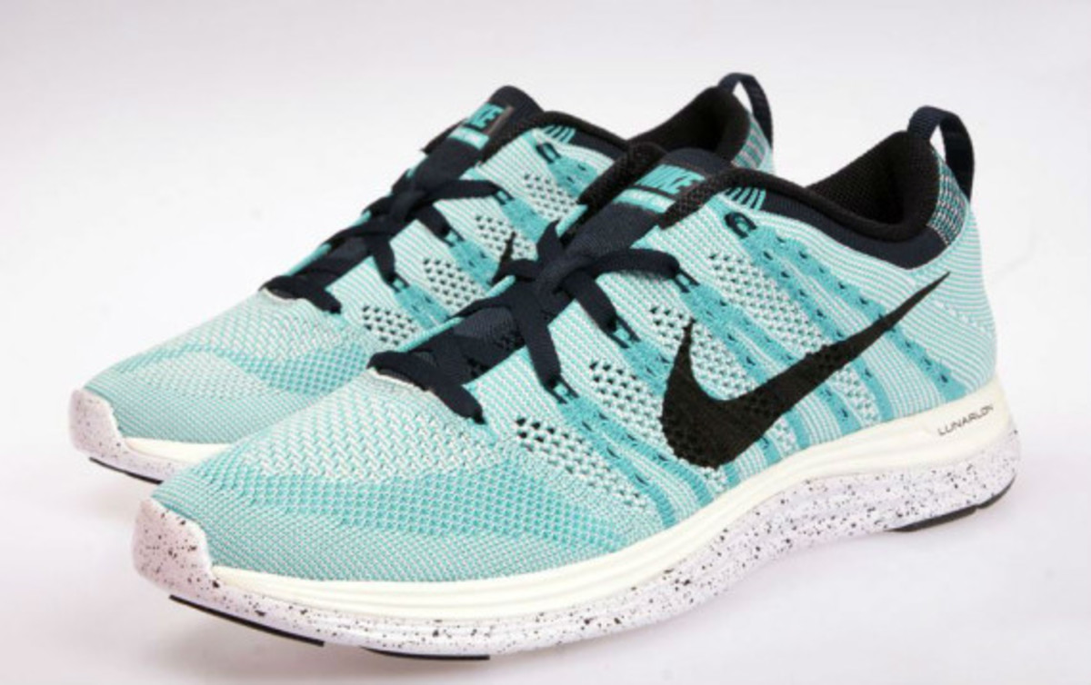 outlet store a684e 054a0 nike-flyknit-lunar-one-sport-turquoise-03