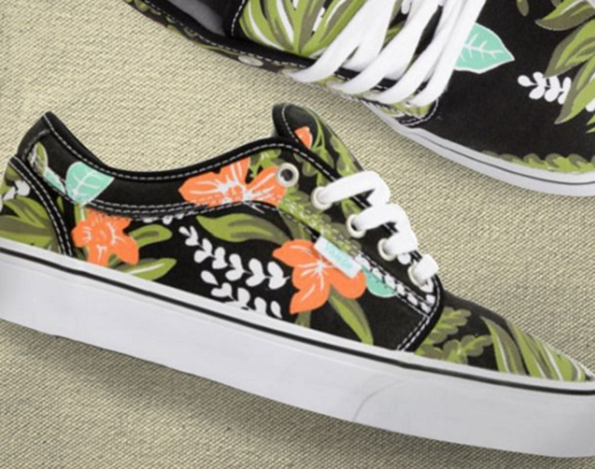 ZUMIEZ has got their hands on an exclusive of the Vans Chukka Low featuring  a new take on the tropical Hawaiian print. While you may have seen the  colorful ... c7994613d
