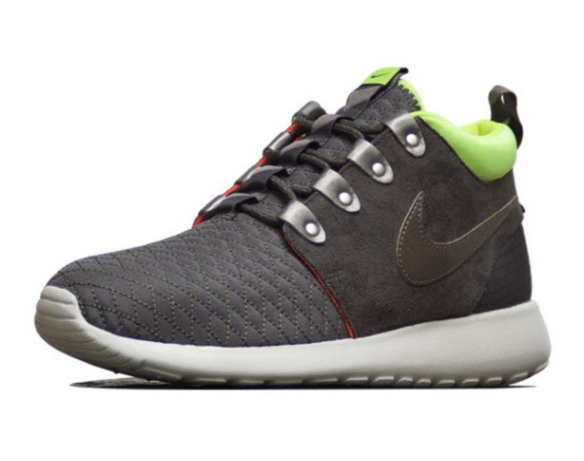 f49b6c160c68b Nike Roshe Run Sneakerboot - Newsprint Smoke-Volt-Total Crimson ...