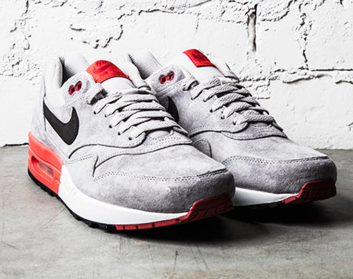 nike air max 1 premium grey suede freshness mag. Black Bedroom Furniture Sets. Home Design Ideas