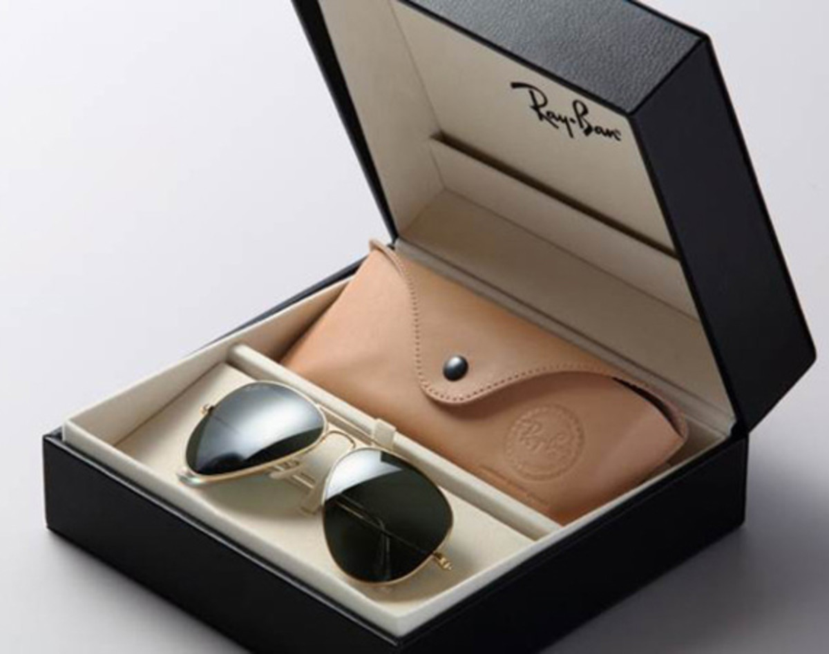 f4bc0268b0e05 The Aviator sunglasses from Ray-Ban might just be one of the most  recognizable sunglasses to date. Having established its status for over 70  years