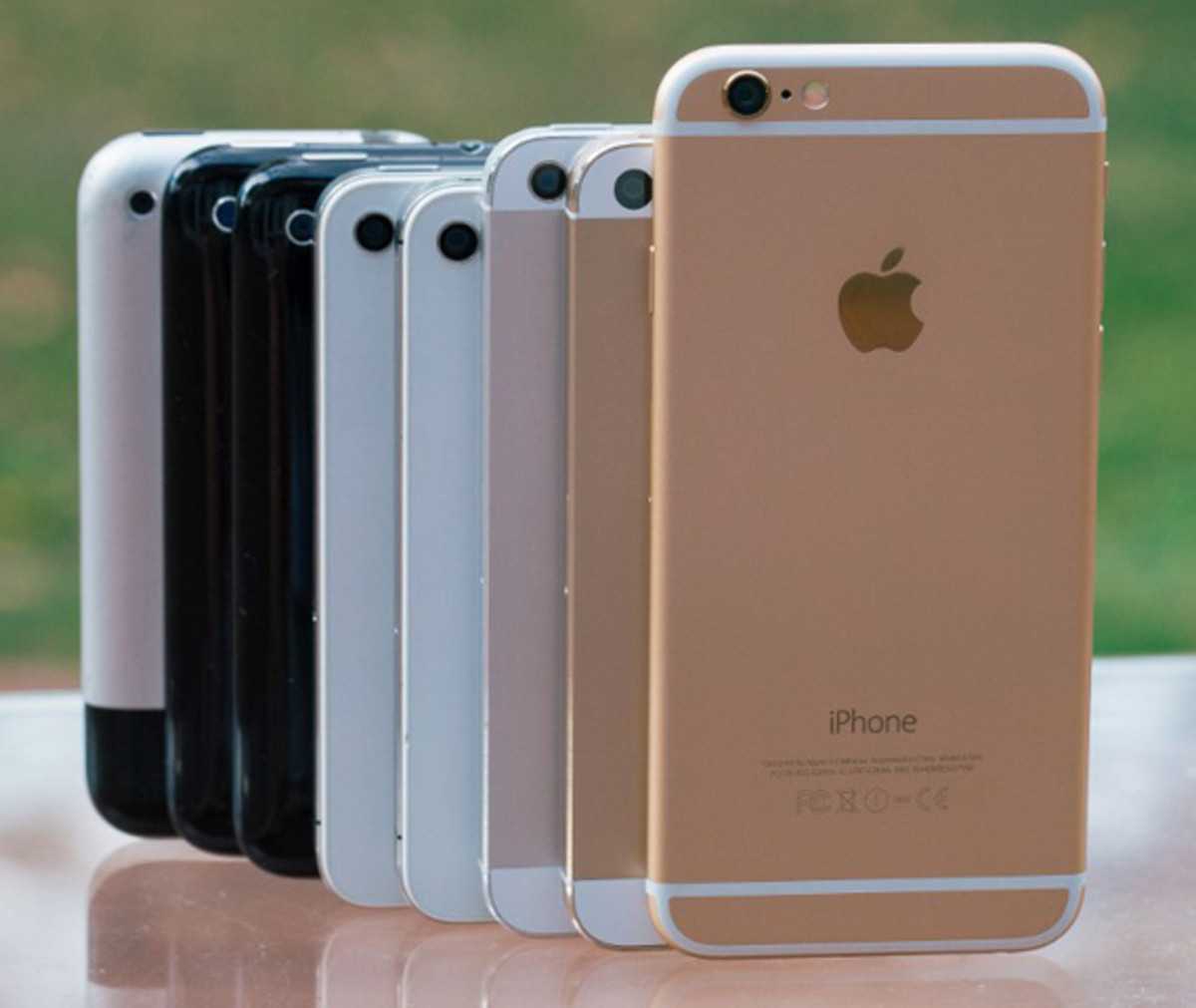 Side-By-Side Comparison of Apple iPhone Camera from The Original to the New iPhone 6