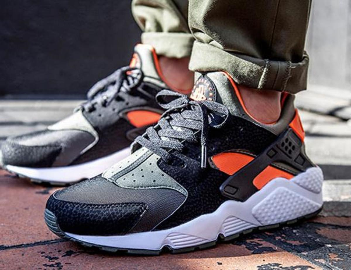 premium selection 80731 95539 nike-air-huarache-undefeated-00