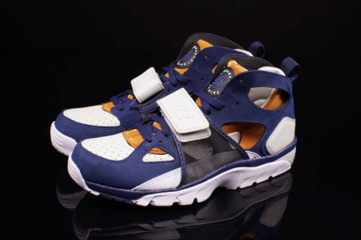 "Nike Air Trainer Huarache ""Medicine Ball"""