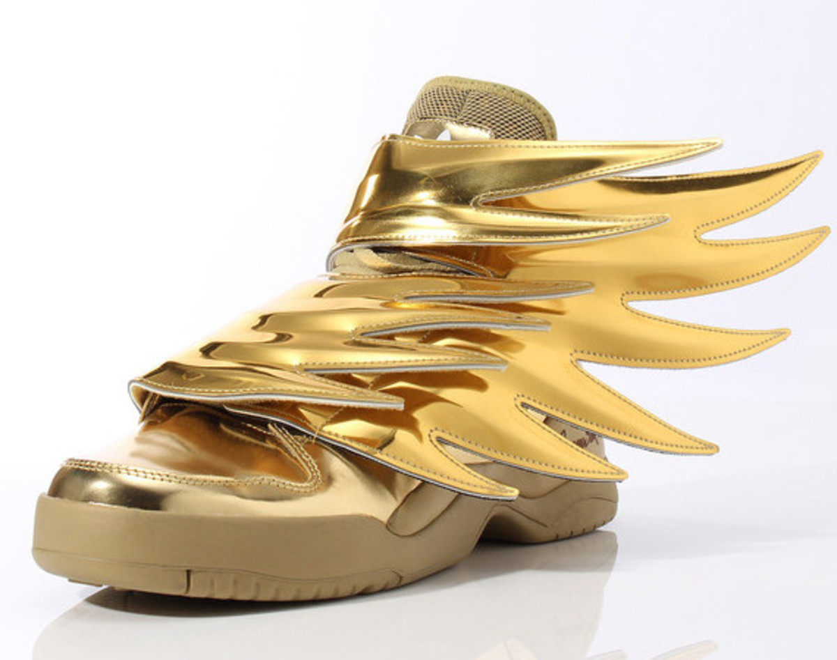 super popular 41c5f 5f615 adidas-originals-js-wings-gold-01. The all-black colorway of the adidas  Originals by Jeremy Scott Wings 3.0 ...