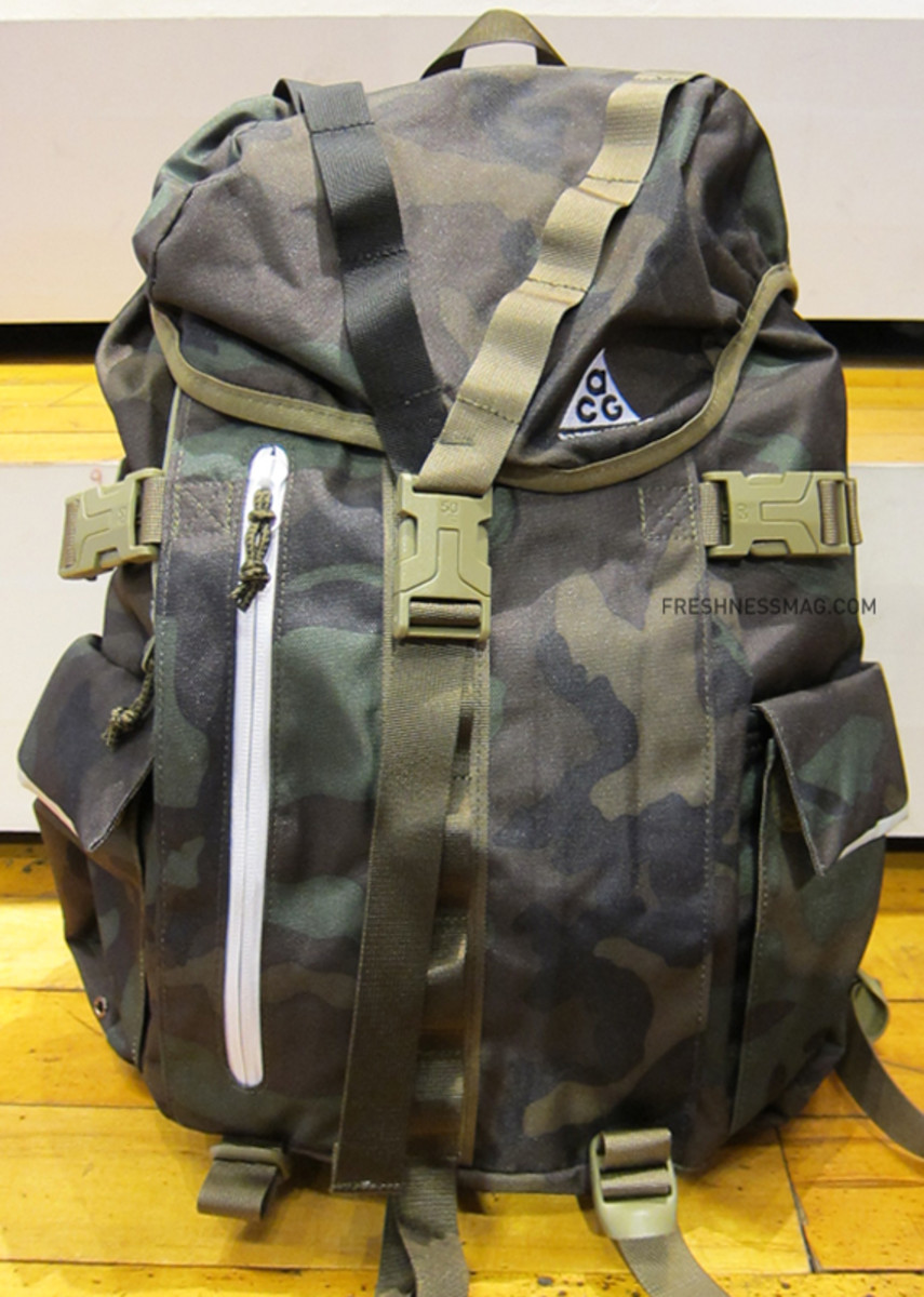 nike-acg-steel-city-35-backpack-camo-02