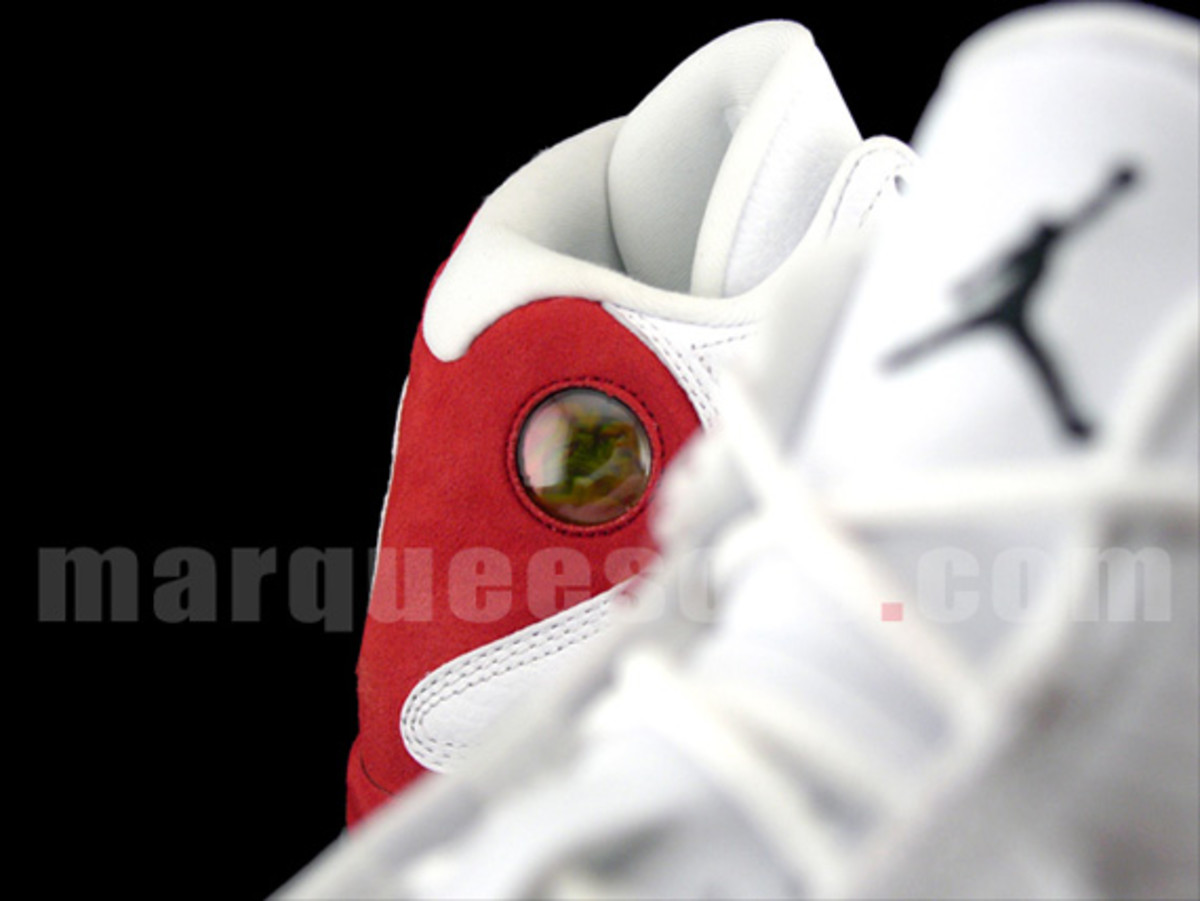 air-jordan-xiii-white-red-2010-ms-new-images-06