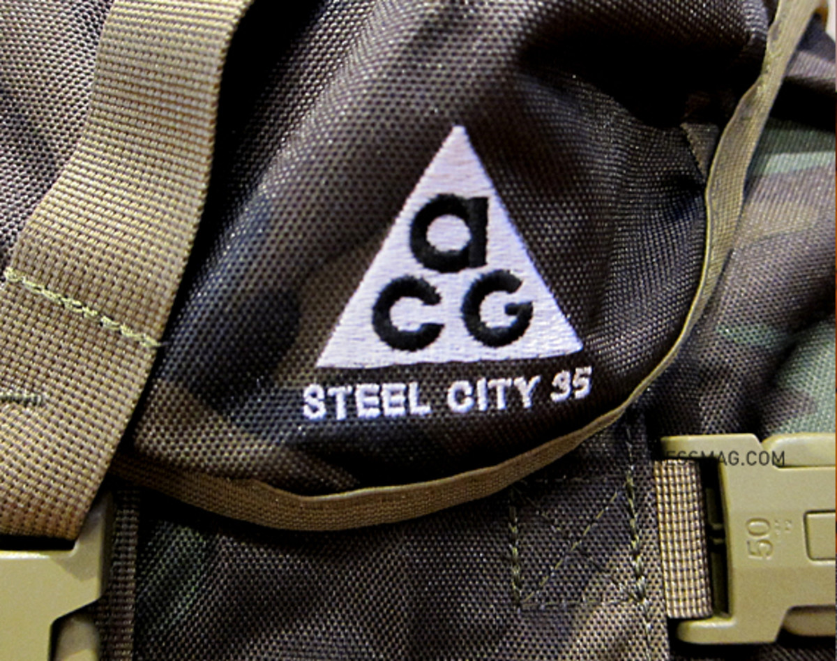 nike-acg-steel-city-35-backpack-camo-10