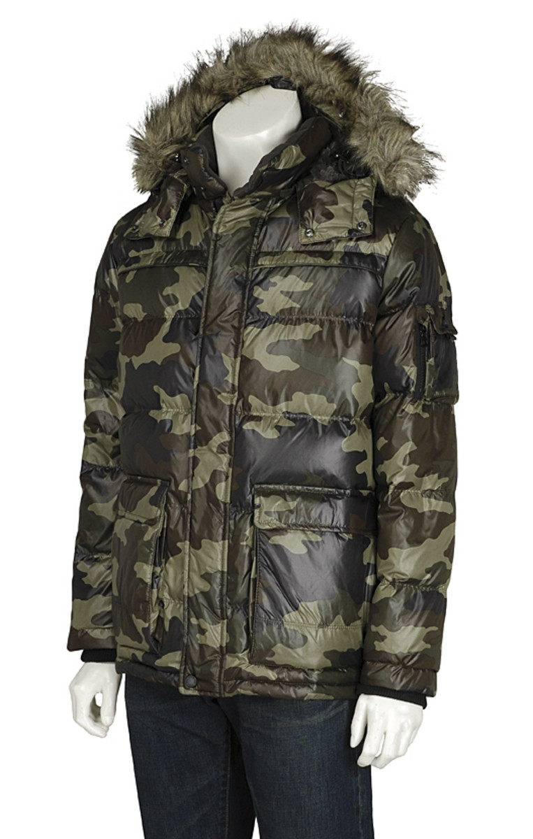 uniqlo-camoflauge-down-jacket-03