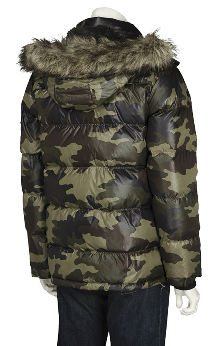 uniqlo-camoflauge-down-jacket-04