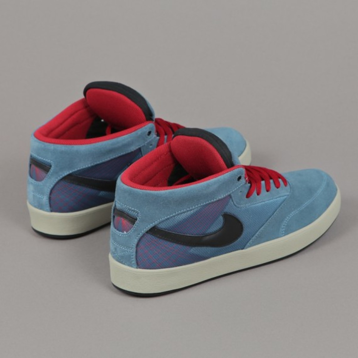 best website 376f0 3803d Thanks for watching! Visit Website. Tags  terms  Nike SBSneakersOmar Salazar
