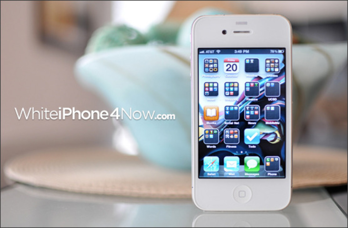 white-iphone-4-now-02