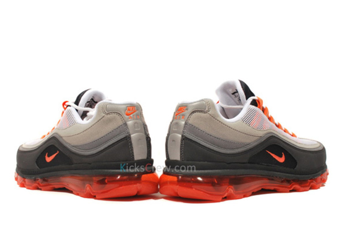 Nike Air Max 24 7 Neon Available on eBay