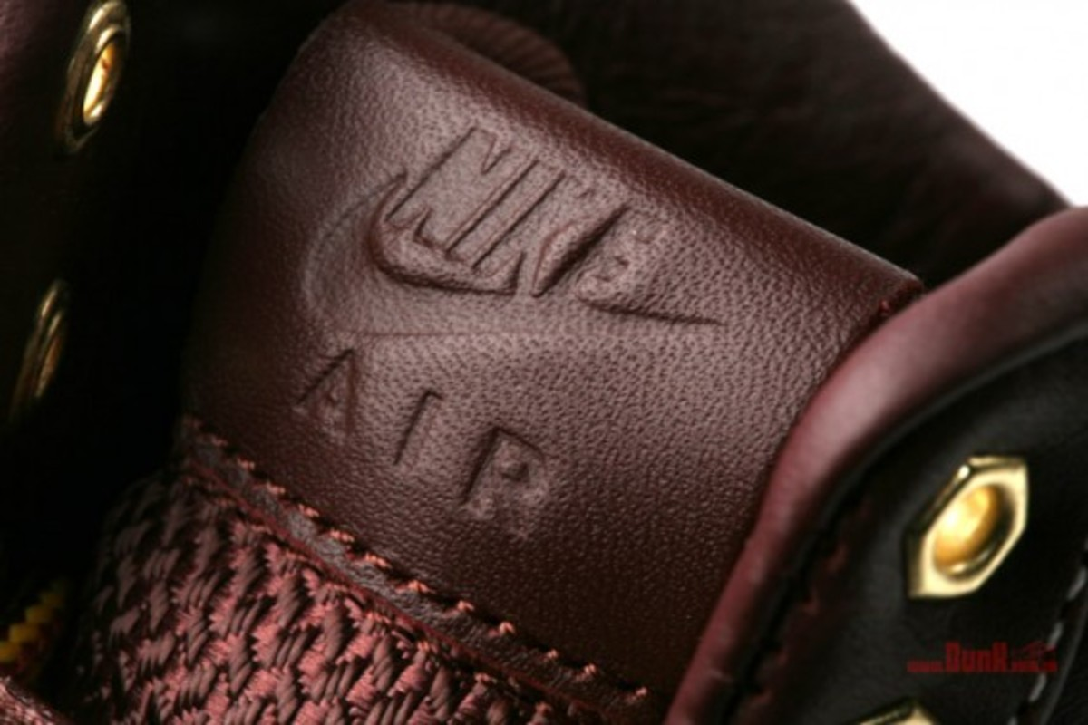 Nike Air Feather Workboot 5