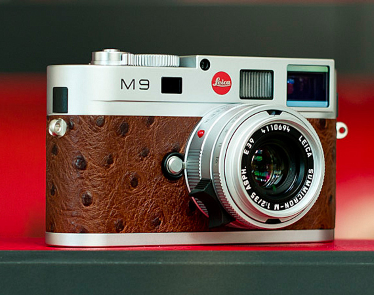 leica-m9-limited-edition-silver-ostrich-01
