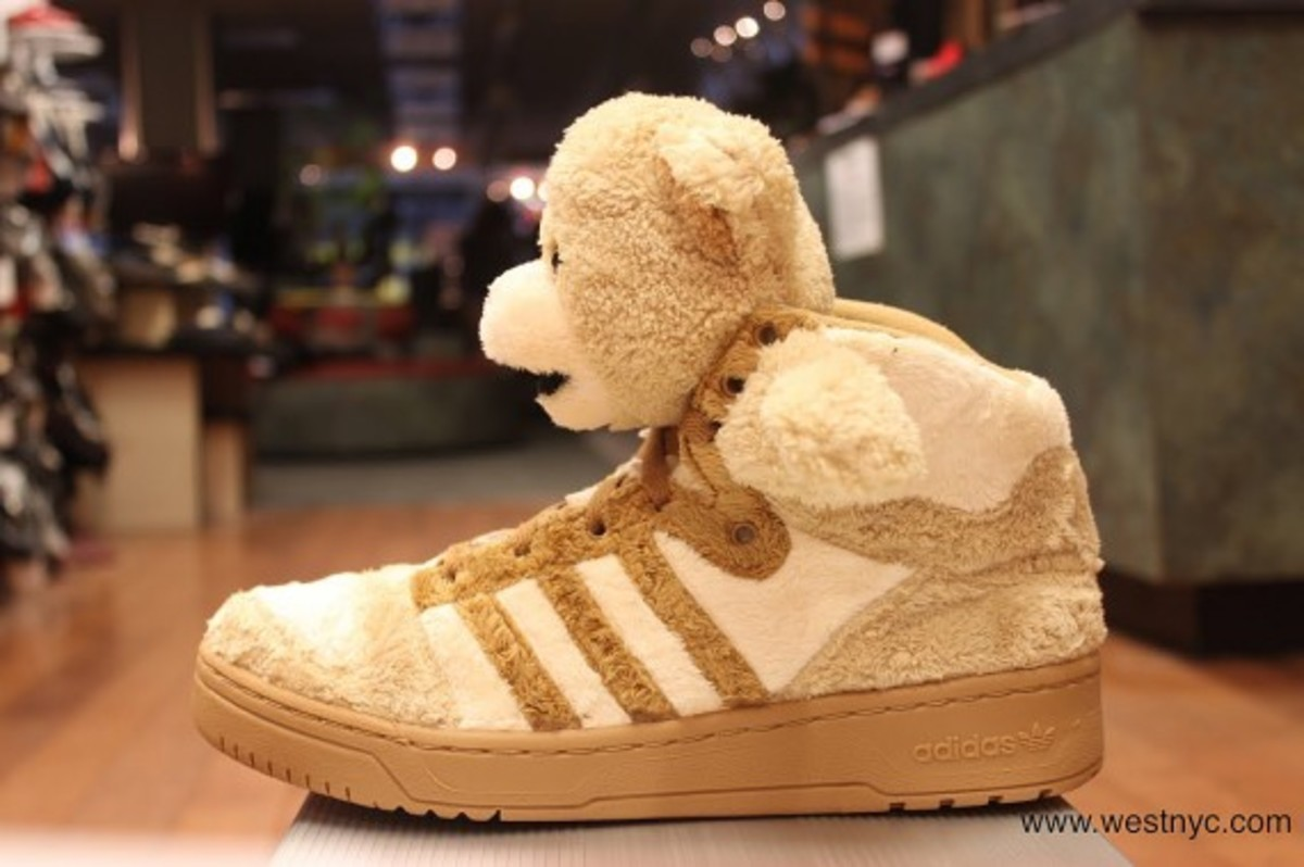 adidas-originals-jeremy-scott-teddy-bear-05