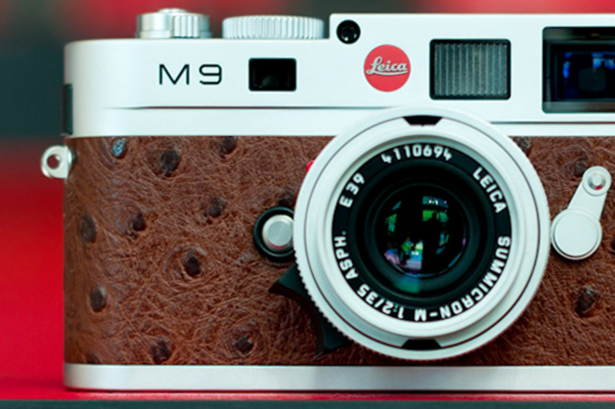 leica-m9-limited-edition-silver-ostrich-07