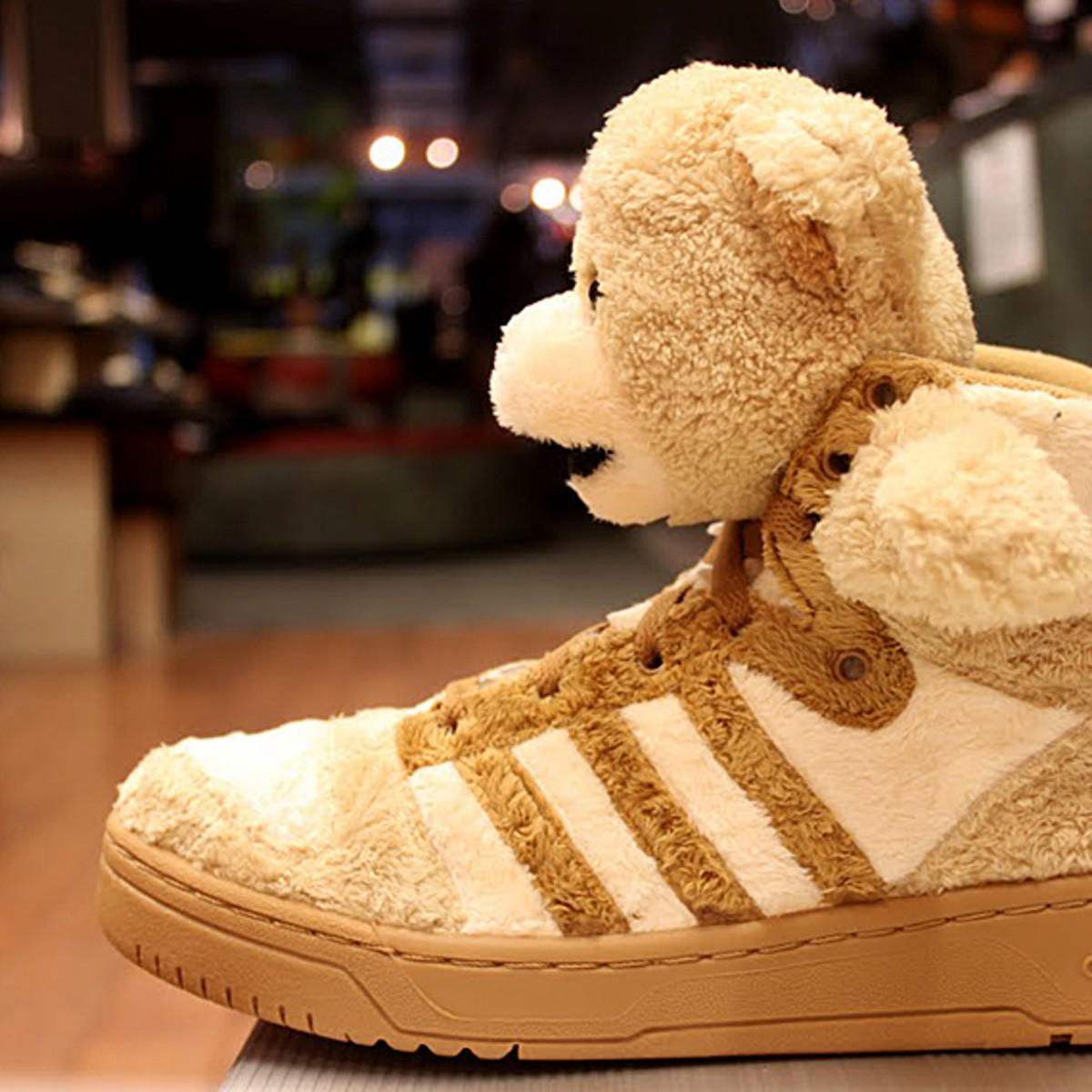 adidas-originals-jeremy-scott-teddy-bear-04a