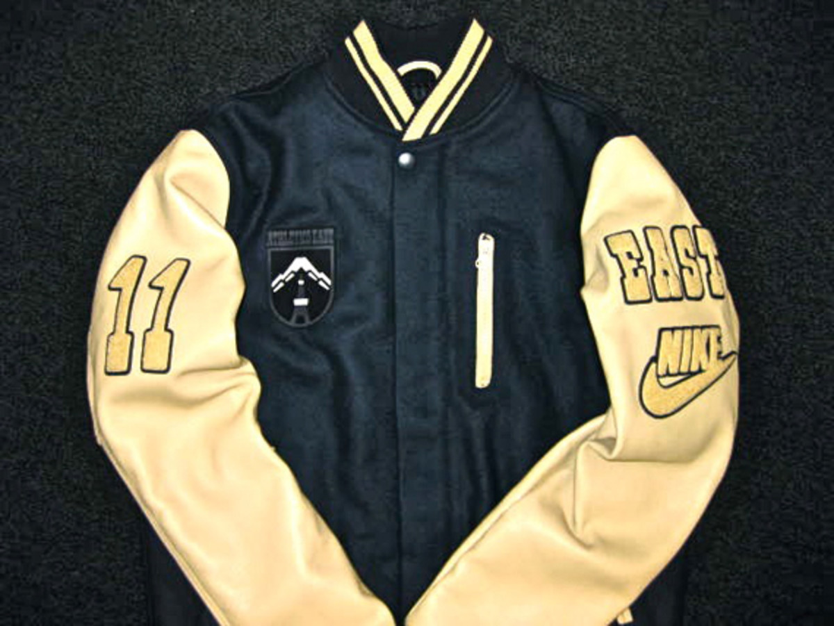 nike-sportswear-athletics-east-destroyer-jacket-03