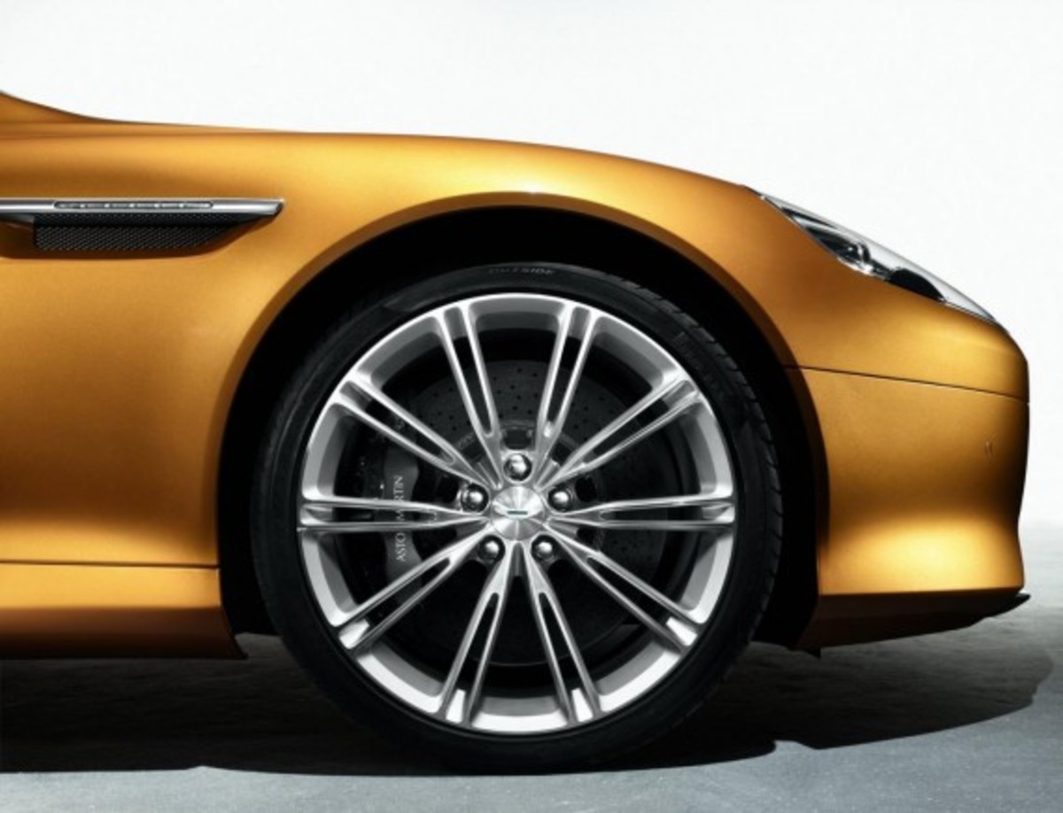 2012 Aston Martin Virage 4
