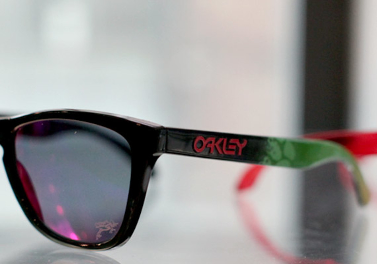 oakley-juptier-frog-collection-02