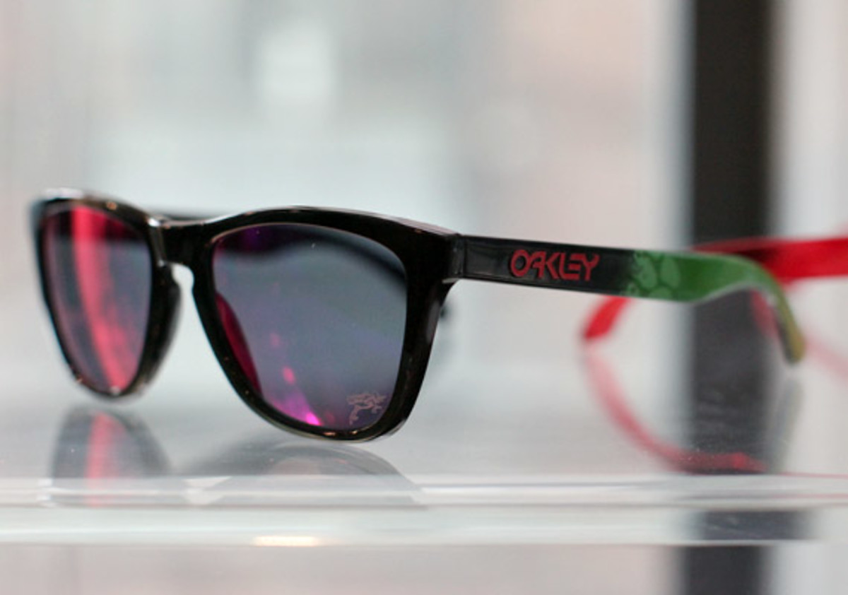 oakley-juptier-frog-collection-03