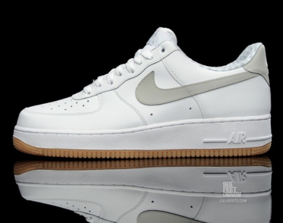 nike-air-force-1-gingham-gum-rubber-02