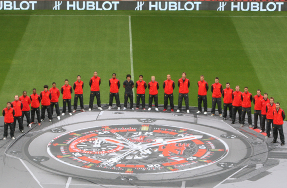 manchester-united-hublot-king-power-red-devil-watch-08