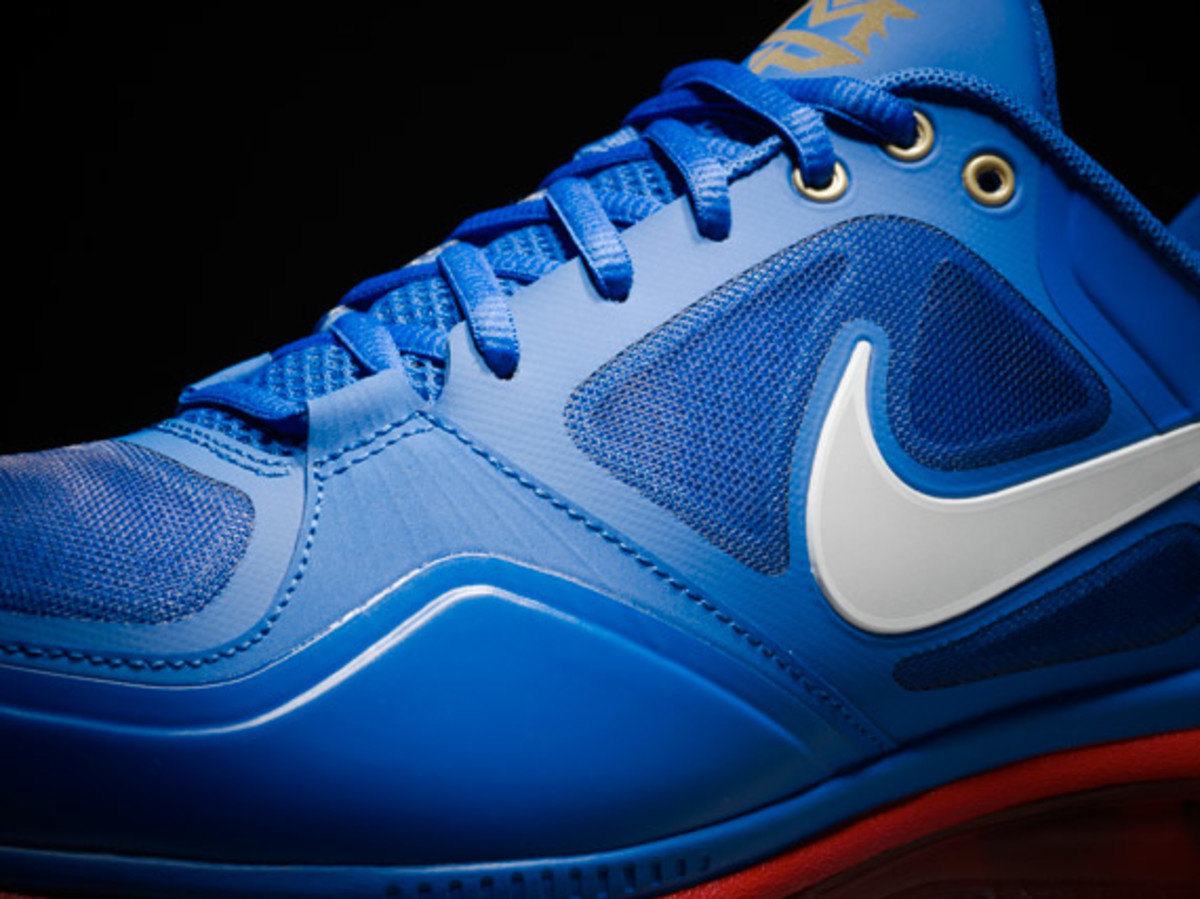 Pacquiao-air-trainer-1-3-max-00