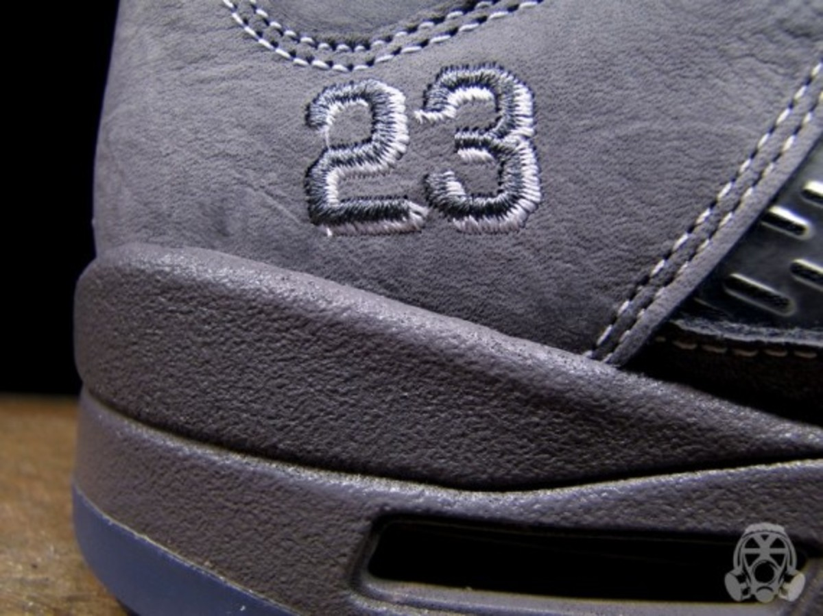 air-jordan-v-retro-wolf-grey-03
