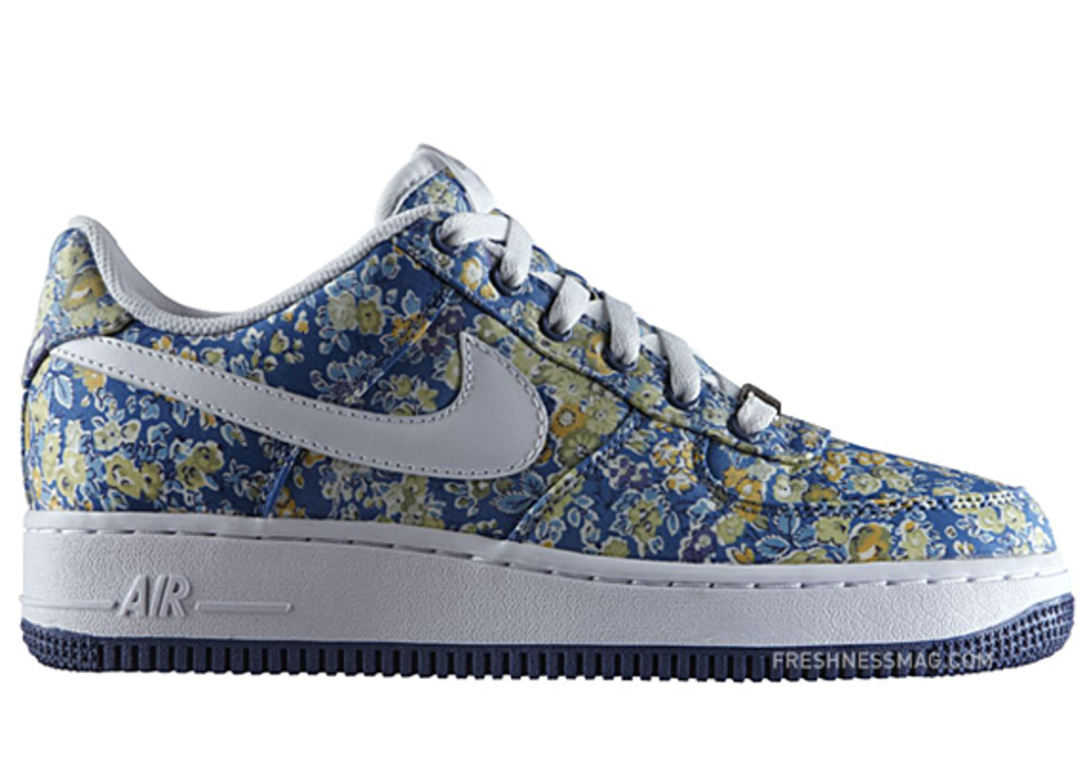 liberty-nike-sportswear-women-air-force-1-premium-03
