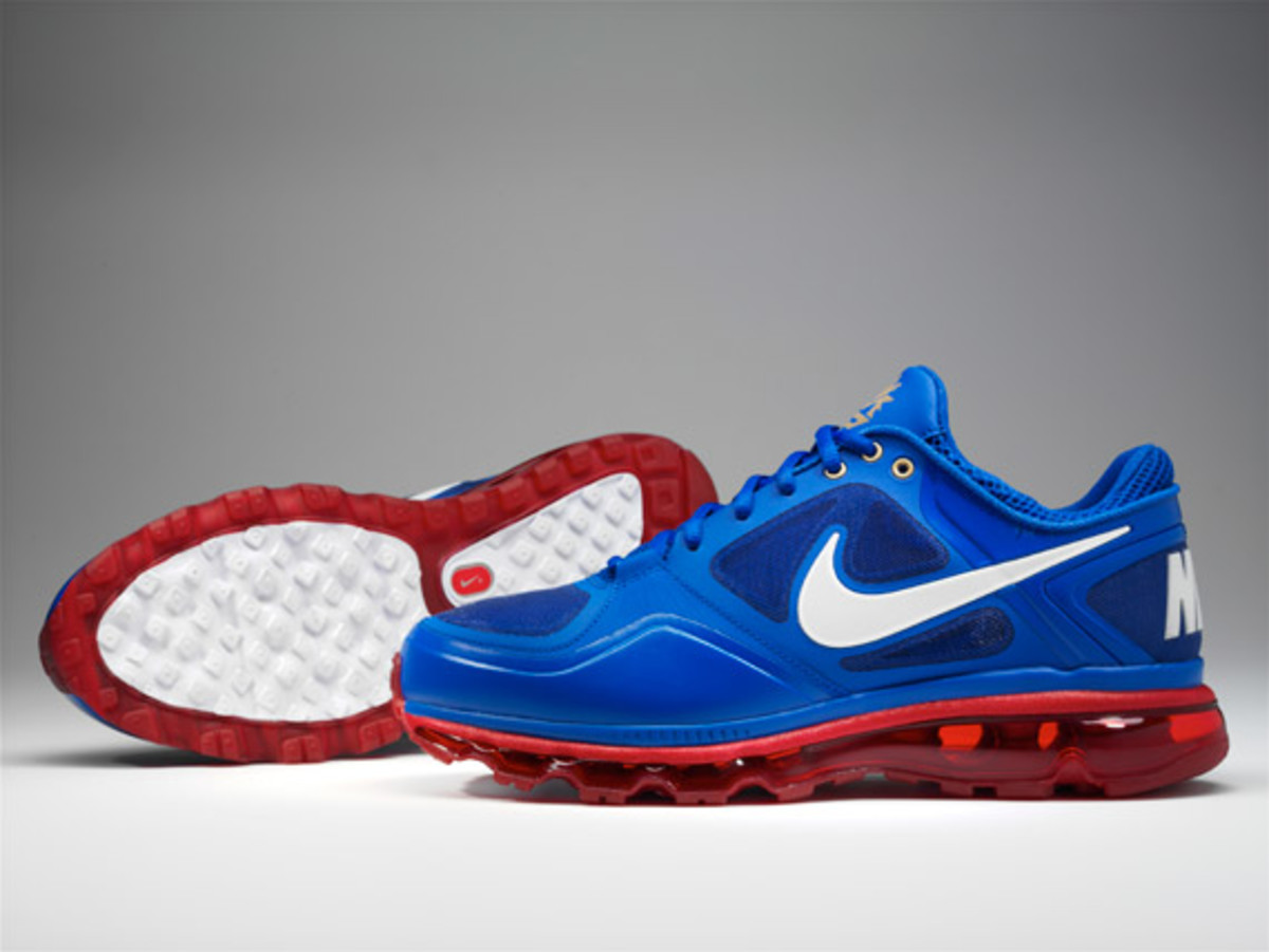 Pacquiao-air-trainer-1-3-max-01