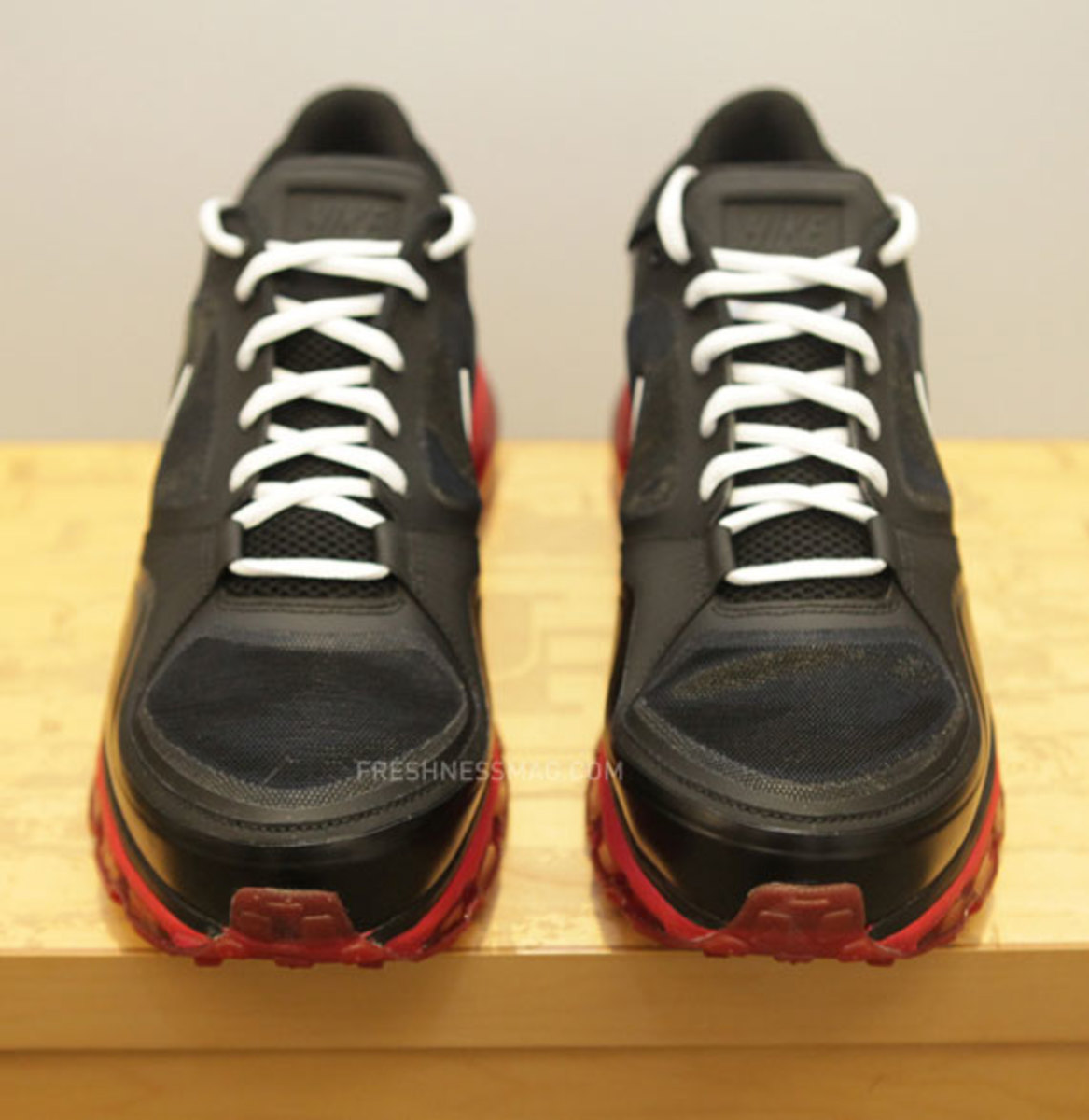 nike-trainer-1.3-max-jerry-rice-pe-05