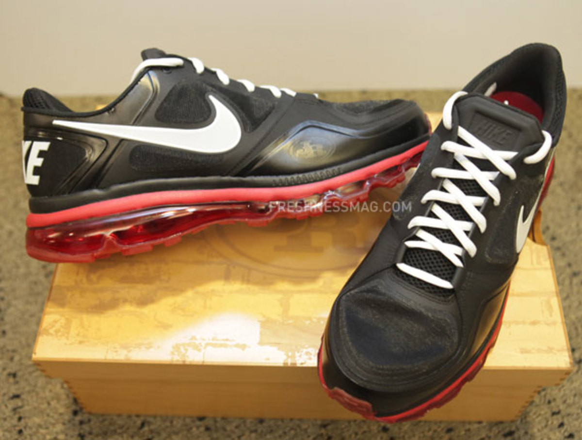 nike-trainer-1.3-max-jerry-rice-pe-03