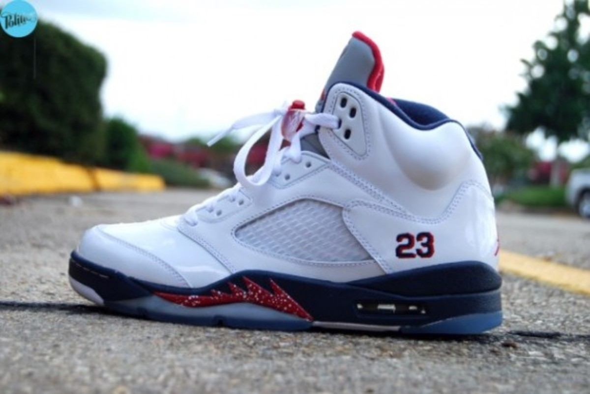air-jordan-v-retro-july-4th-sneaker-politics-01