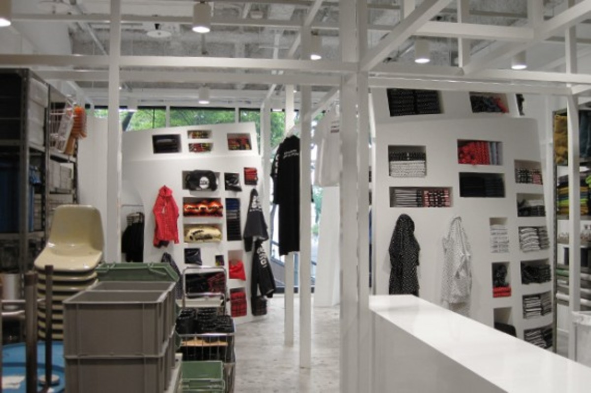 comme-des-garcons-good-design-shop-d-department-03