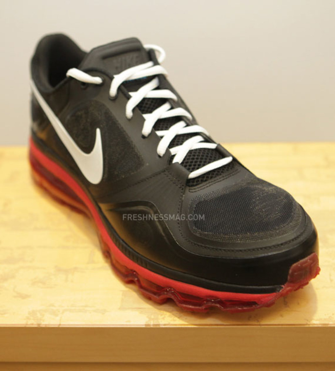 nike-trainer-1.3-max-jerry-rice-pe-06