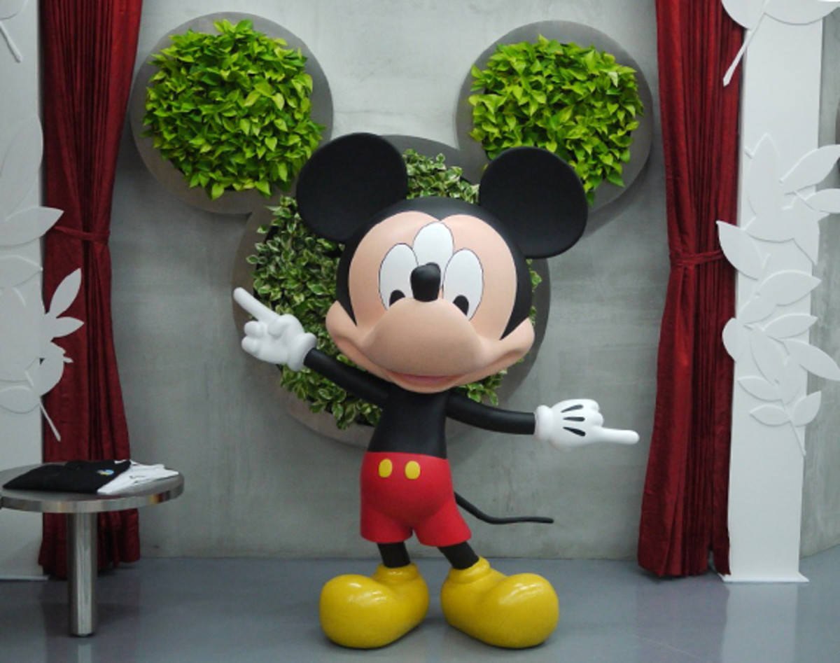 clot-disney-man-is-in-the-forest-taipei-00