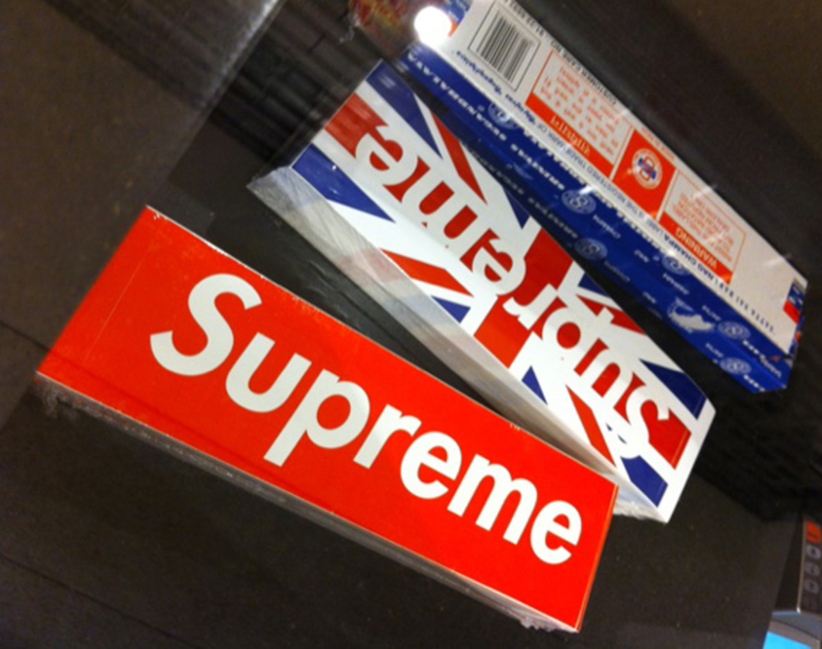 supreme-london-union-jack-box-logo-00