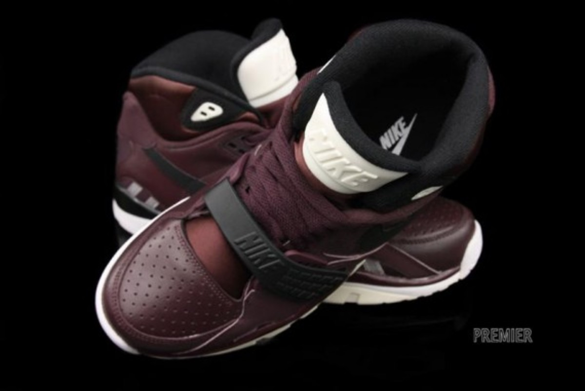 nike-air-trainer-sc-II-deep-burgundy-06