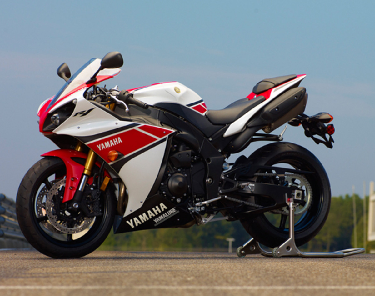 yamaha-YZF-R1-World-GP-50th-Anniversary-16