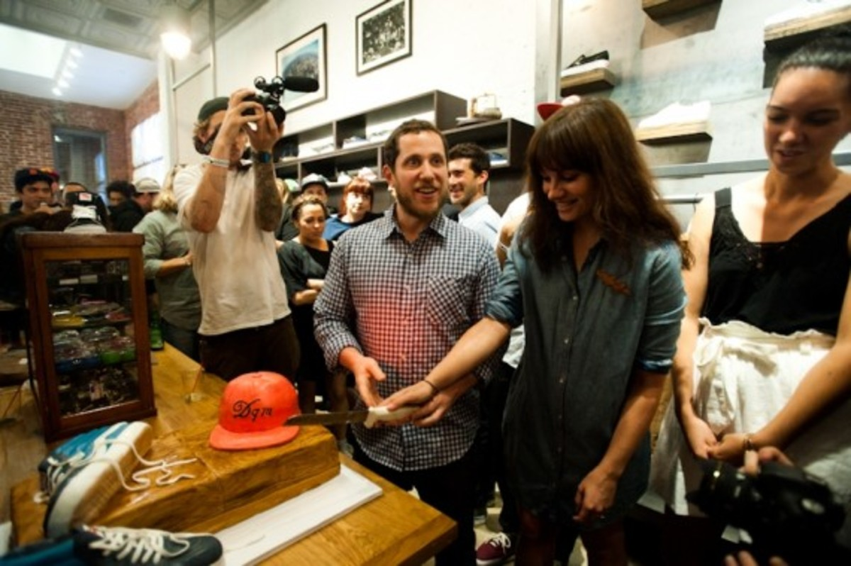 the-vans-dqm-general-store-new-york-13