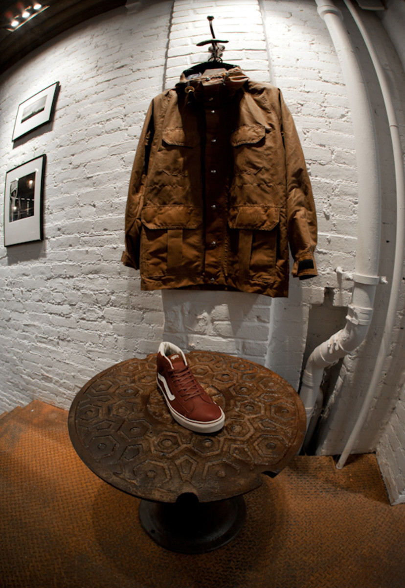 the-vans-dqm-general-store-new-york-04
