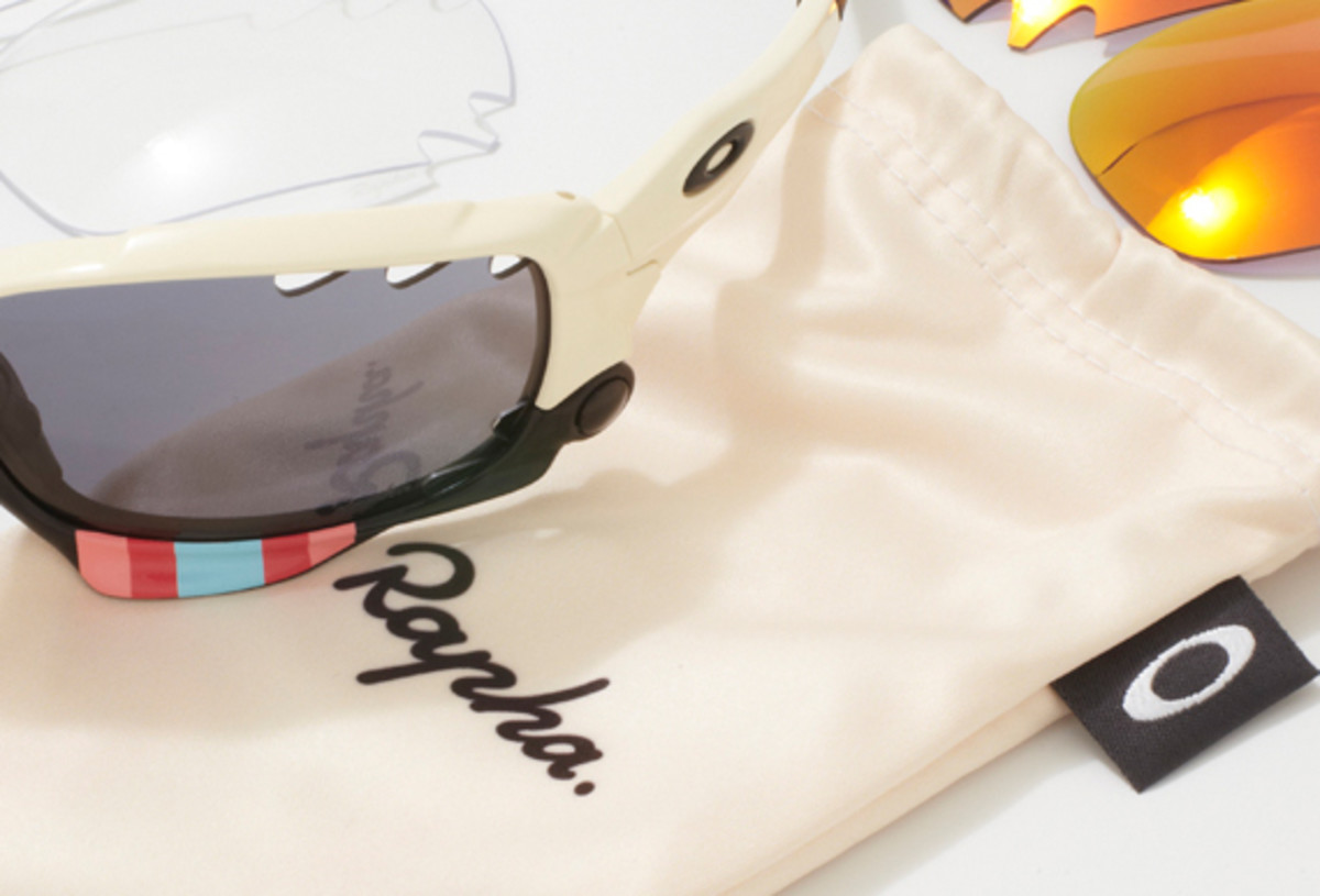 rapha-oakley-jawbone-charity-auction-02a