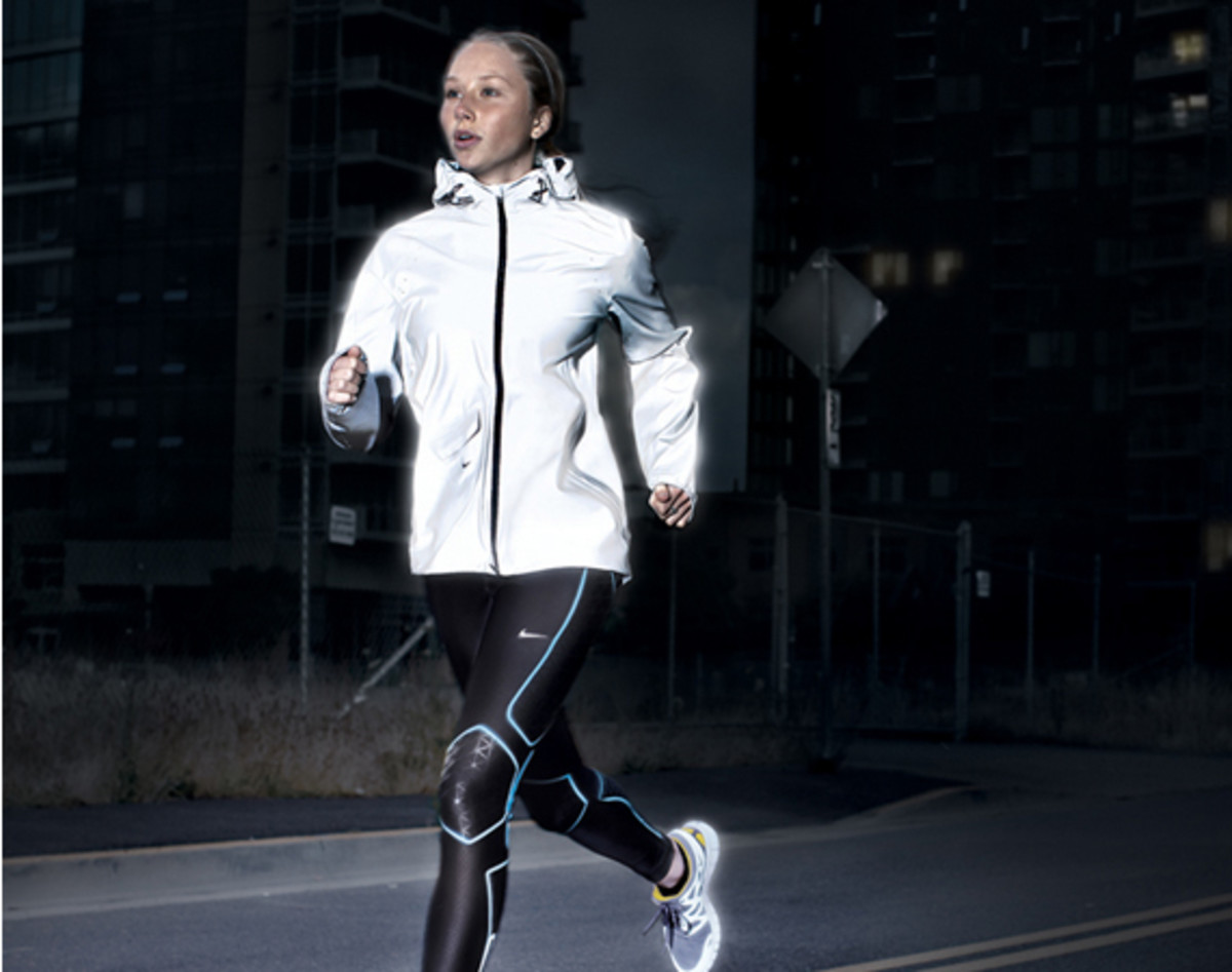 nike-vapor-flash-running-jacket-00